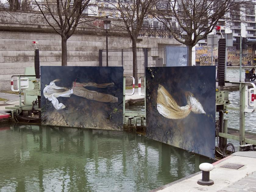 """Installation du """"Léthé"""" sur le canal de l'Ourcq, Paris."""